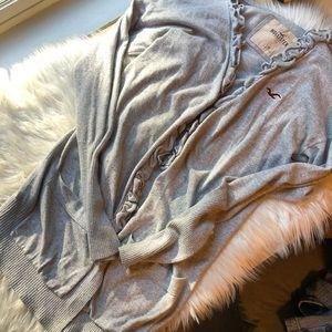 2/35 🍂 Hollister long grey ruffle fall cardigan